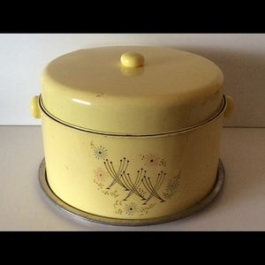 Vintage two Tiered Cake and Pie Carrier W/Handle